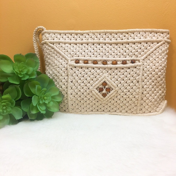 Vintage Handbags - Vintage 80's macrame clutch with beads